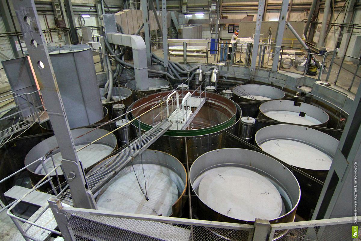 В отличие от реакторов остальных российских АЭС, реактор БН-800 имеет интегральную компоновку, т.е. все оборудование...