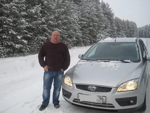 В Каменске-Уральском бывший гаишник спас выбежавшую на дорогу трехлетнюю девочку
