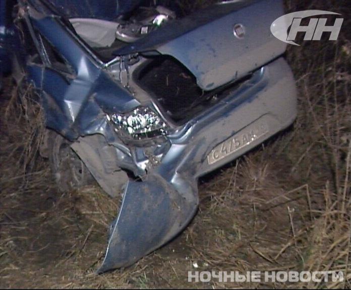 Под Екатеринбургом иномарка врезалась в столб