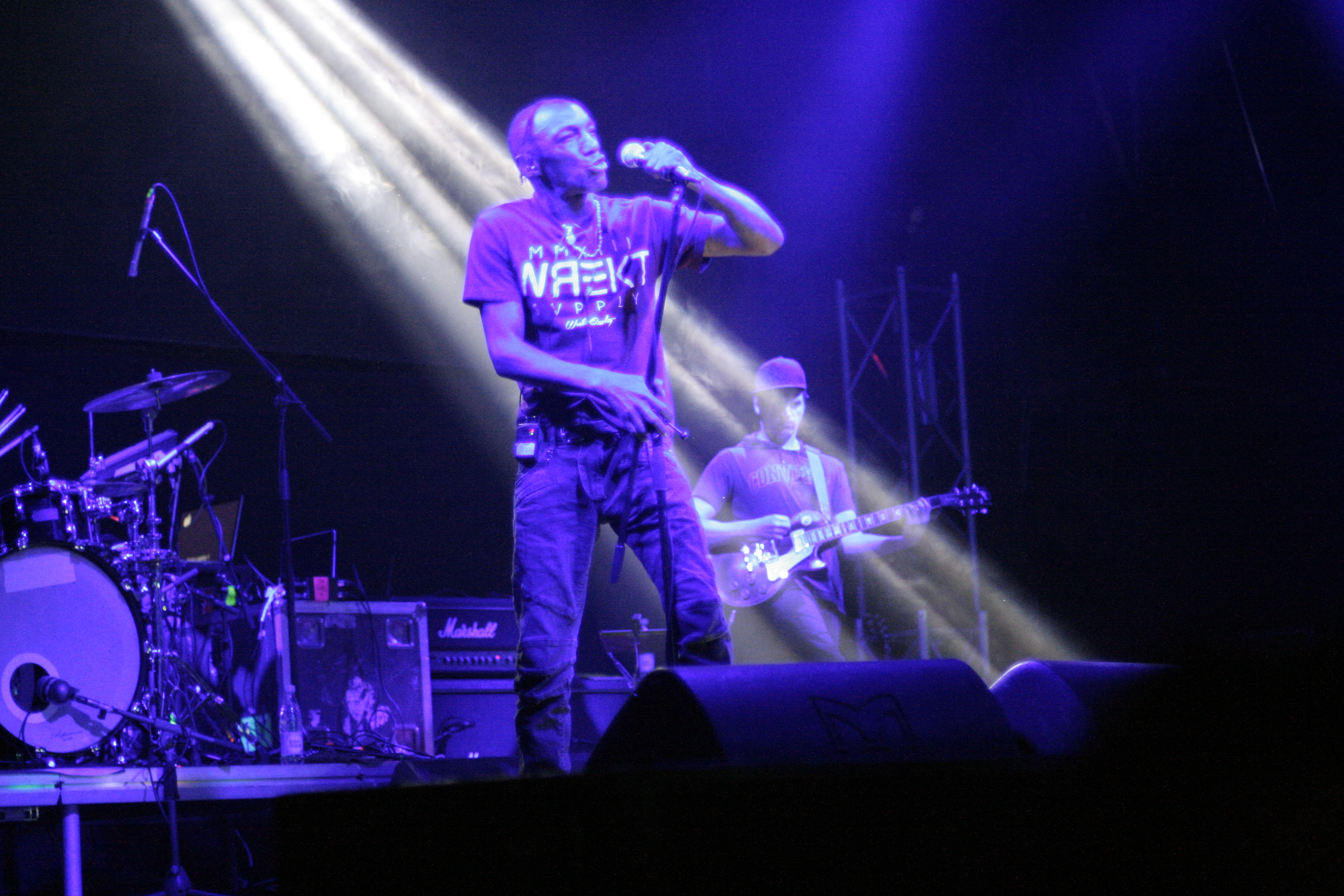 Концерт Tricky в Екатеринбурге: ветеран трип-хопа спел с фанатами на сцене