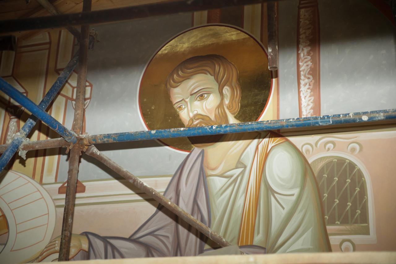 В Храме-на-Крови начали расписывать стены