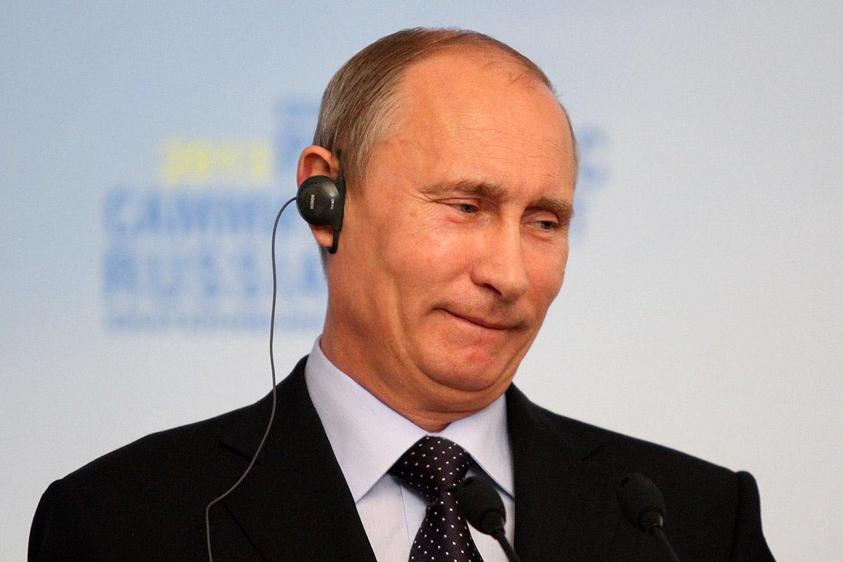 Владимир Путин возглавил рейтинг доверия среди российских политиков