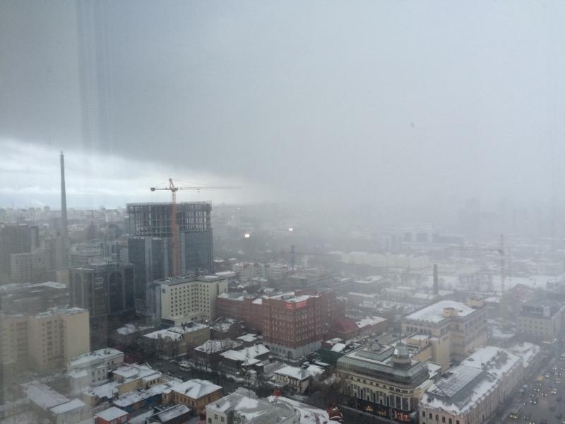 Зима вернулась: Екатеринбург накрыло снегом