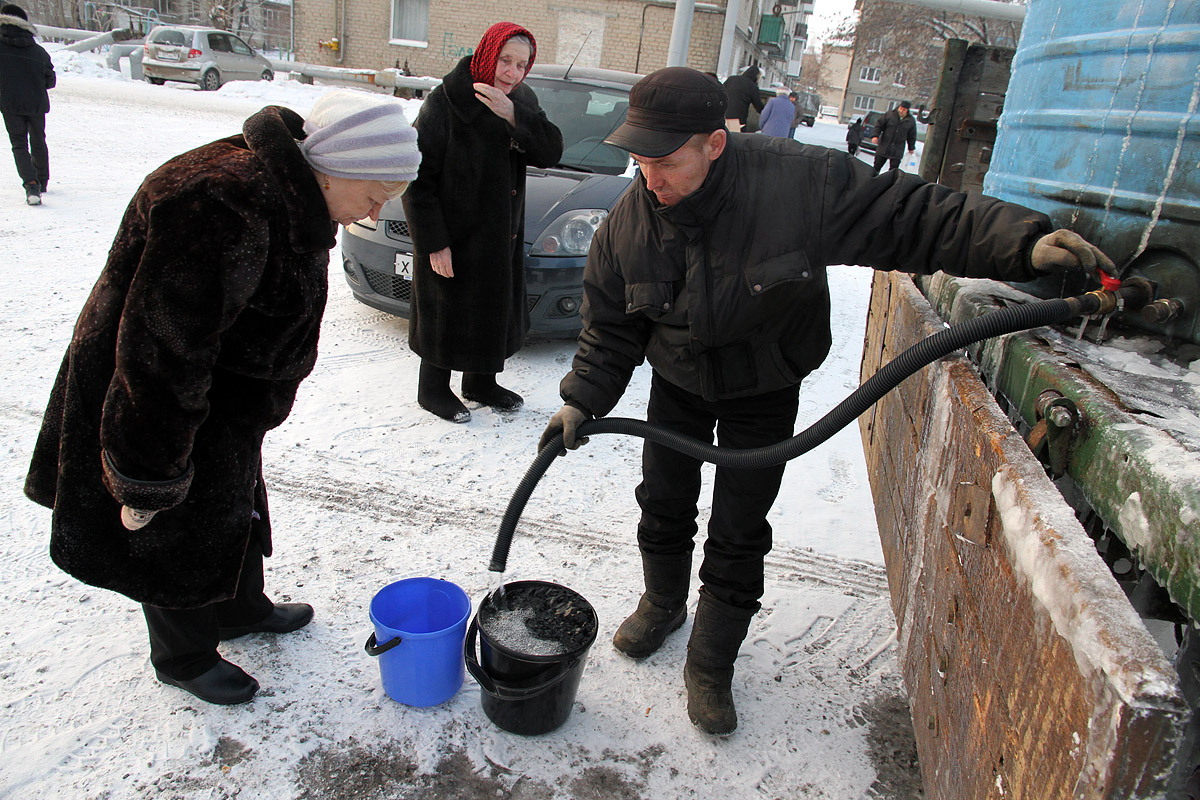 Питьевую воду жителям Сортировки будут возить с утра до вечера