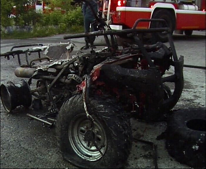 На Эльмаше сгорел салон мототехники