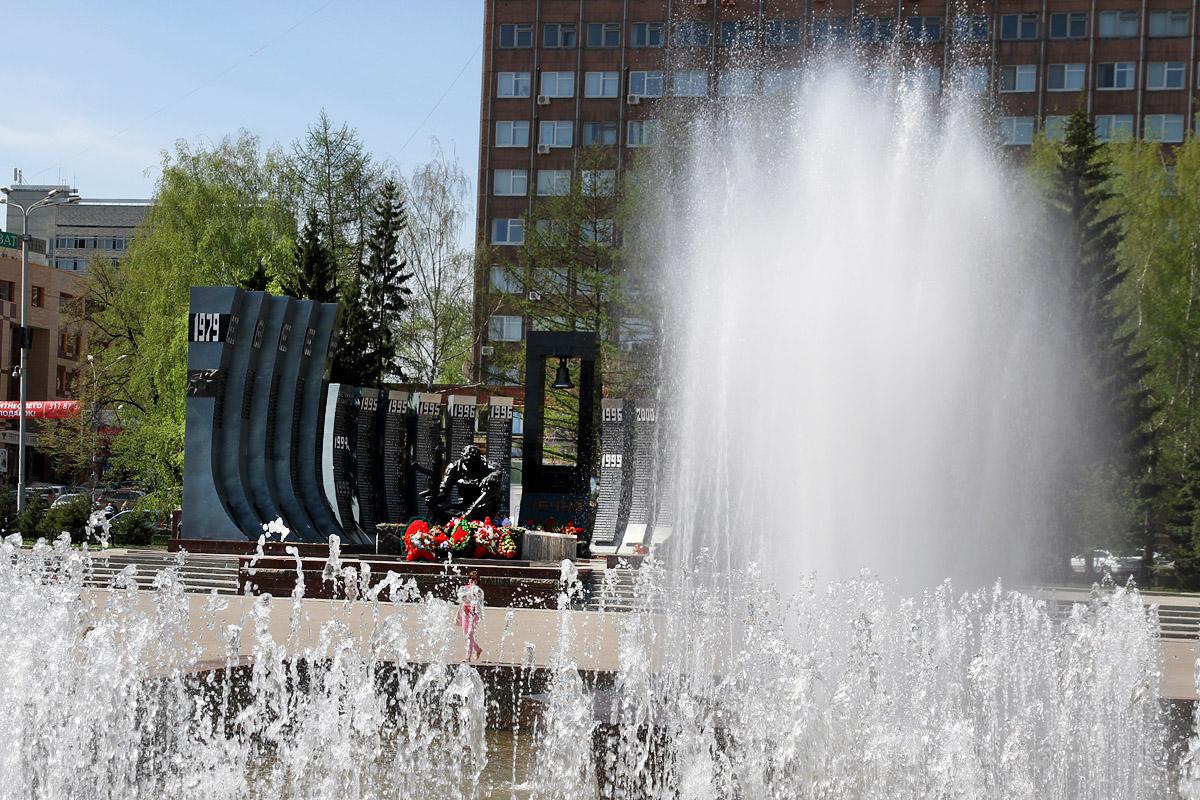 В Екатеринбурге врубили все фонтаны
