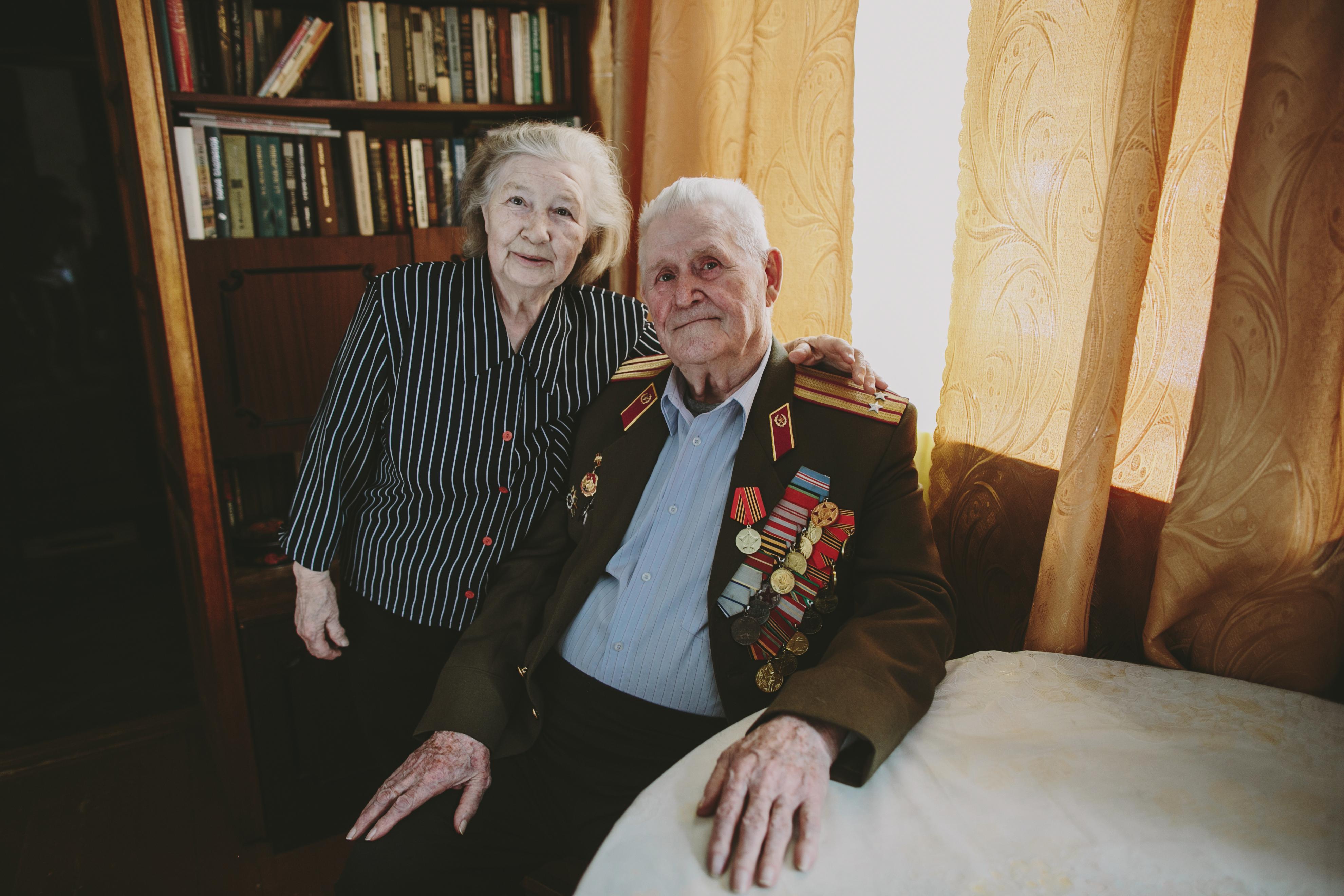 Поздравь ветерана, а не ставь ему «лайк». В Доме печати открылась выставка «Живые легенды»