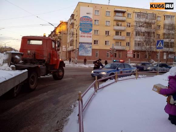 В Каменске-Уральском подросток попал под грузовик