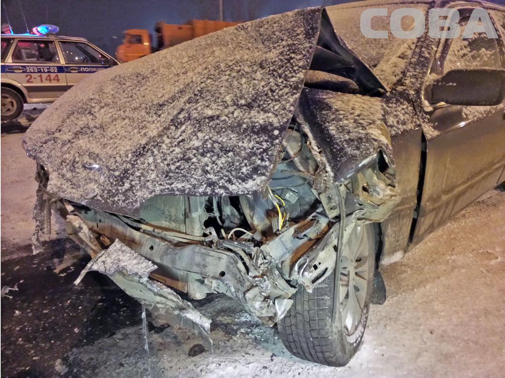 На Щербакова пьяный водитель на Ford врезался в такси