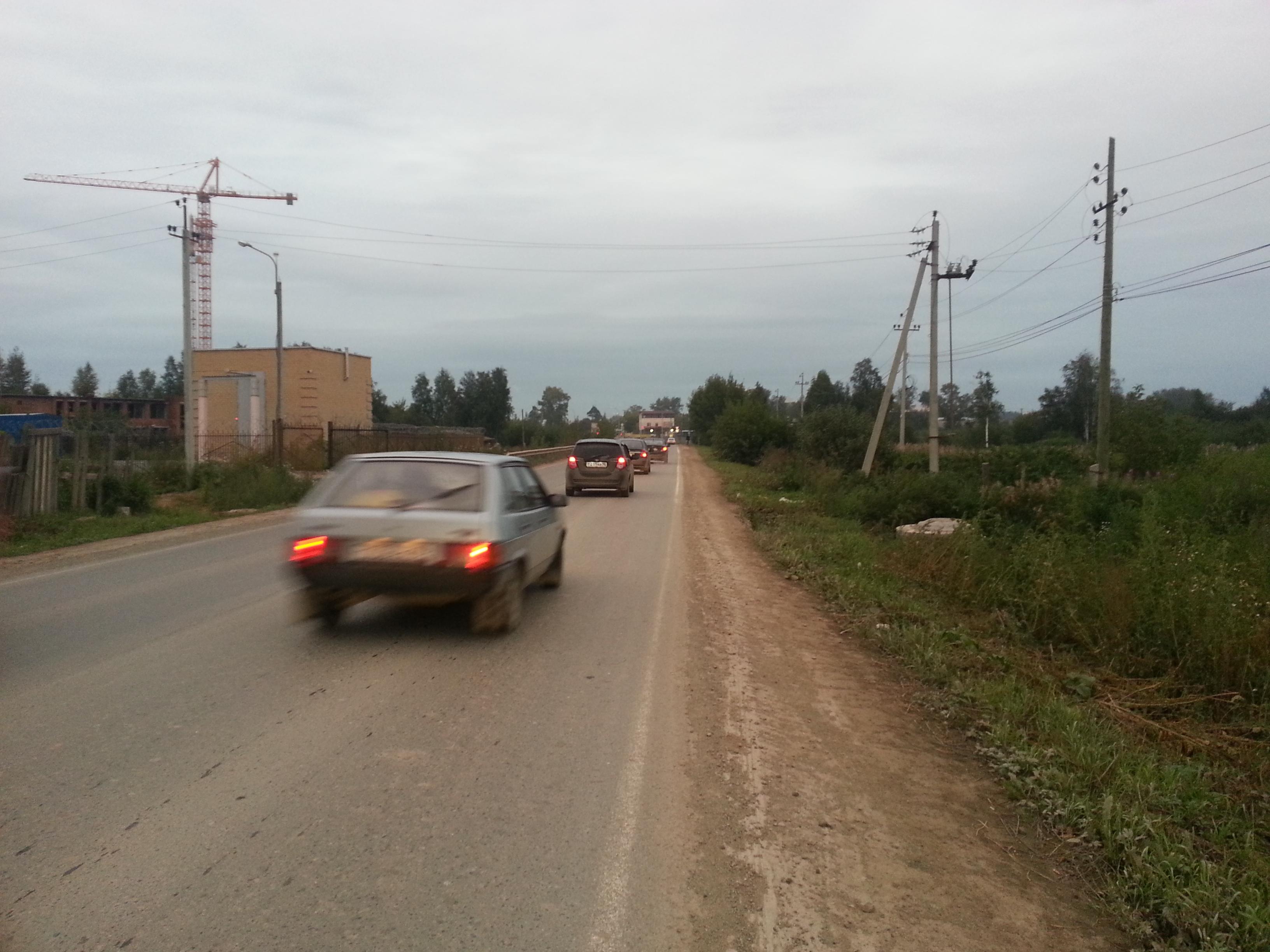 Тротуара не будет, остановки тоже: жителям Широкой Речки отказали в благоустройстве