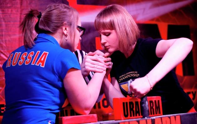 Сильнейшие армрестлеры Урала пожмут друг другу руки в «Карнавале»
