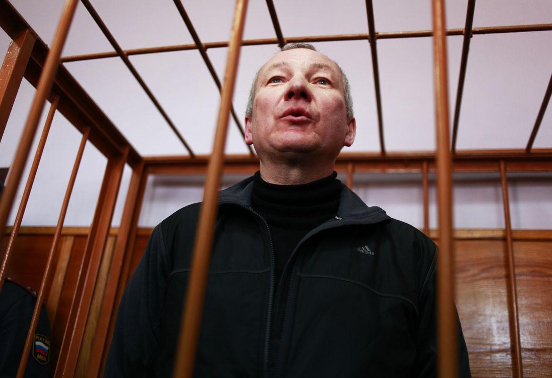 Следователи продолжают искать жену Виктора Контеева. На этот раз в его камере