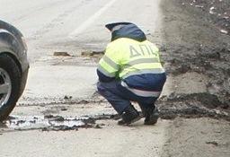 На Новомосковском тракте длинная пробка: в ДТП попали пять машин