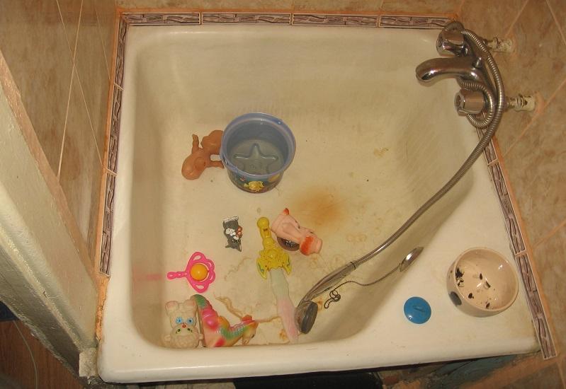В Новоуральске годовалая девочка утонула в ванне