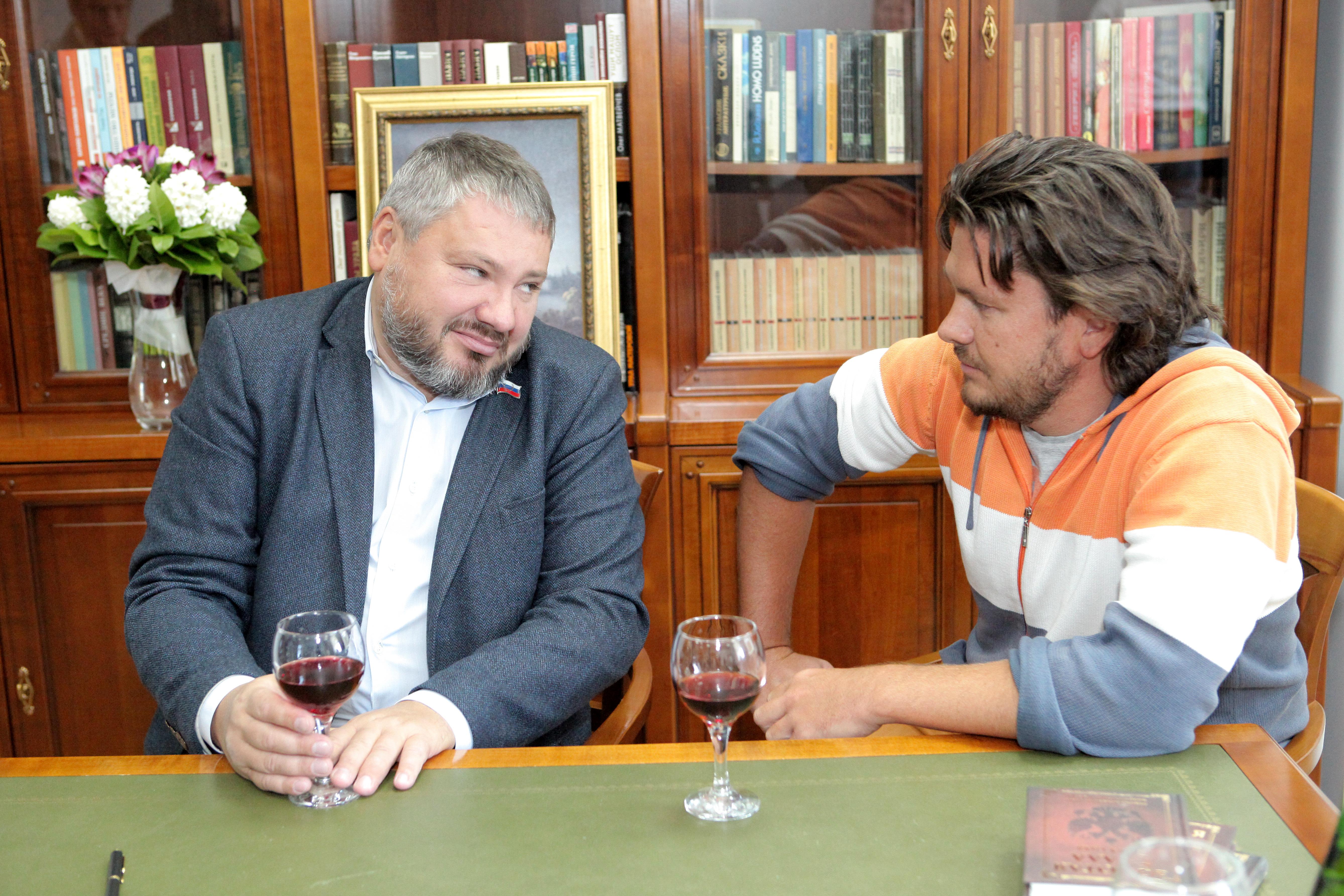 Антон Баков написал свой план развития христианского мира. Но не России