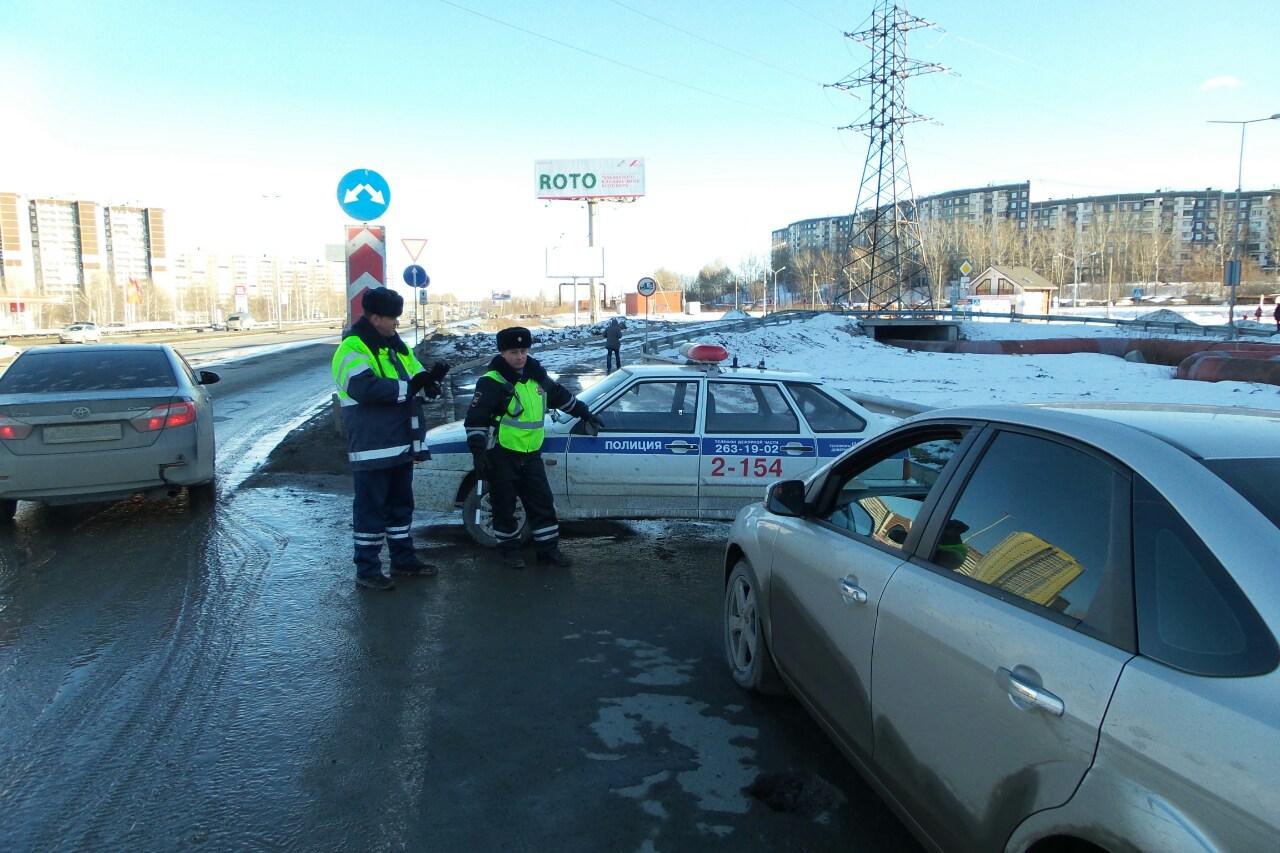 Сдержали слово: полицейские снова закрыли въезд в «КомсоМОЛЛ»