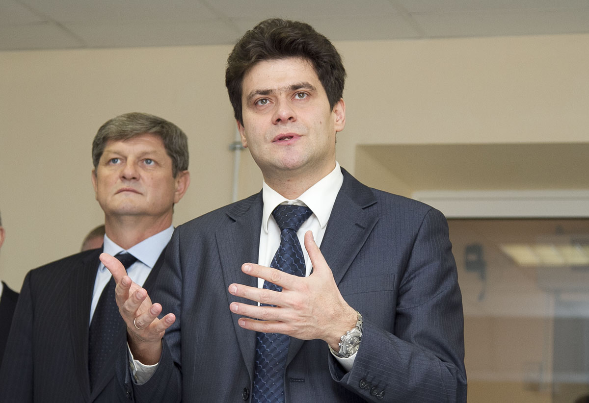 Администрация Екатеринбурга готова отказаться от «Лексусов» в пользу «Волги»