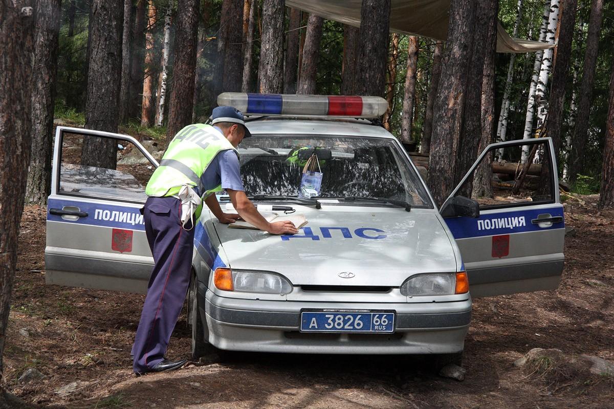 Под Кировградом тагильчанин разбился на угнанной машине