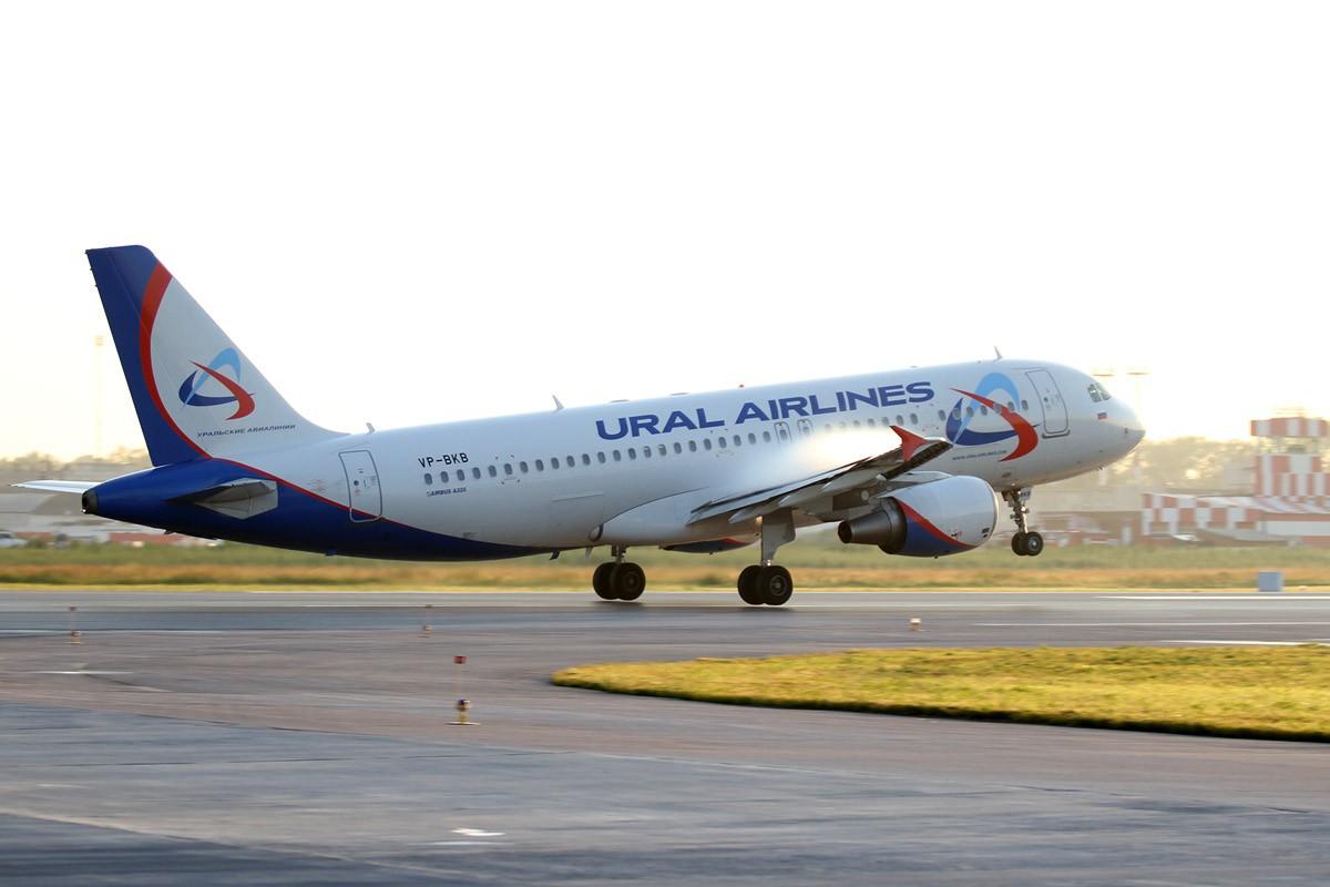 Самолет «Уральских авиалиний» сел в Екатеринбурге из-за поломки
