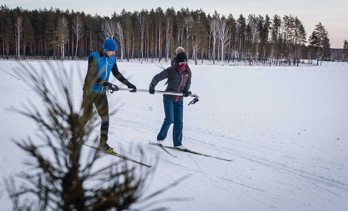 А как же биатлон? Антон Шипулин отдохнул со своей девушкой в модном клубе под Екатеринбургом