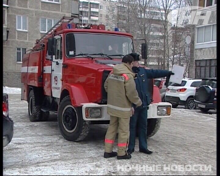 Инспекторы МЧС нашли «пожароопасную» парковку на Уралмаше
