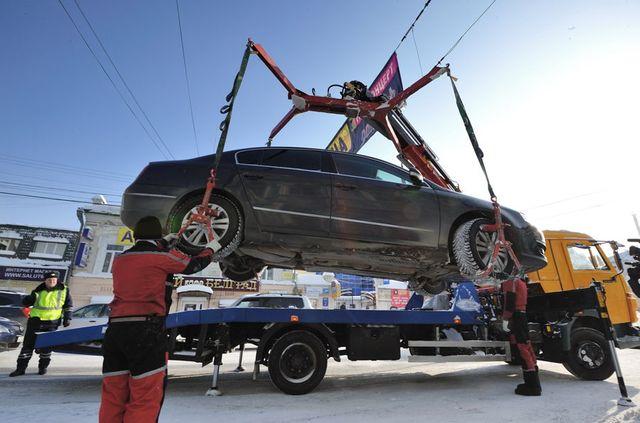 В Екатеринбурге за неделю эвакуаторы угнали 666 машин