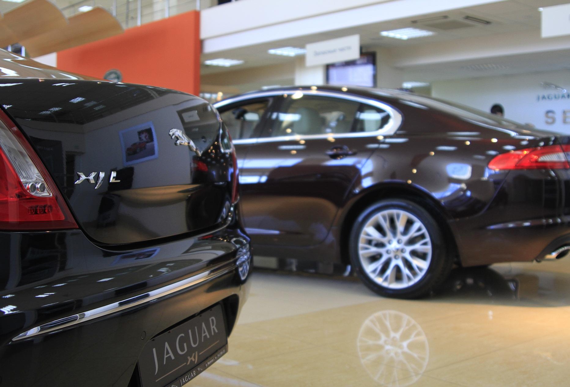Продажи Lexus в Екатеринбурге упали, у Jaguar выросли почти втрое