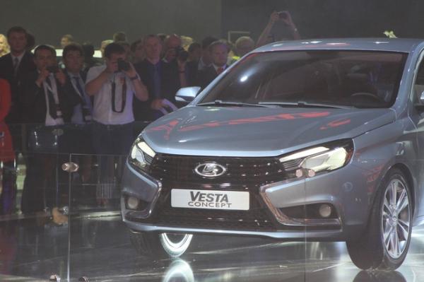 Обратный отсчет: ровно через год АвтоВАЗ начнет собирать Lada Vesta