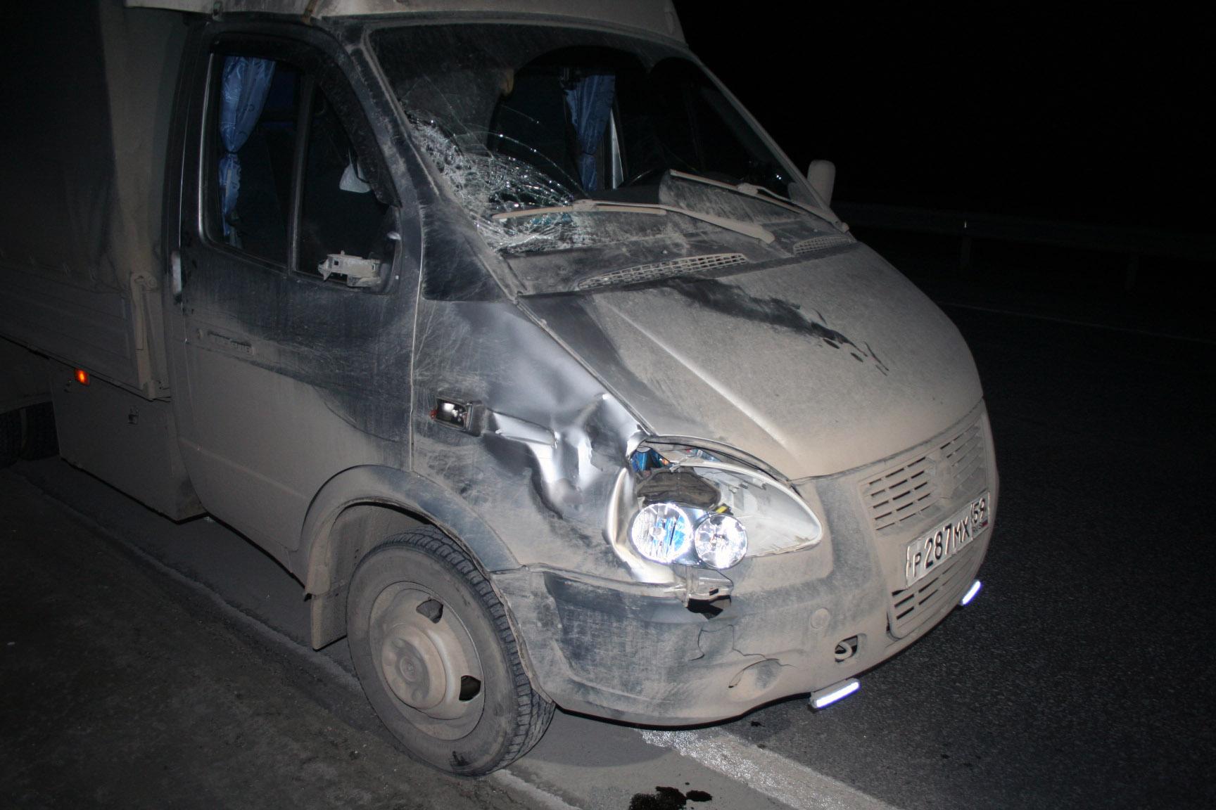 На трассе под Первоуральском «Газель» сбила насмерть нетрезвого пешехода