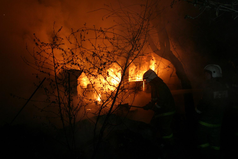 Пожар в коллективном саду на Эльмаше унес жизнь одного человека