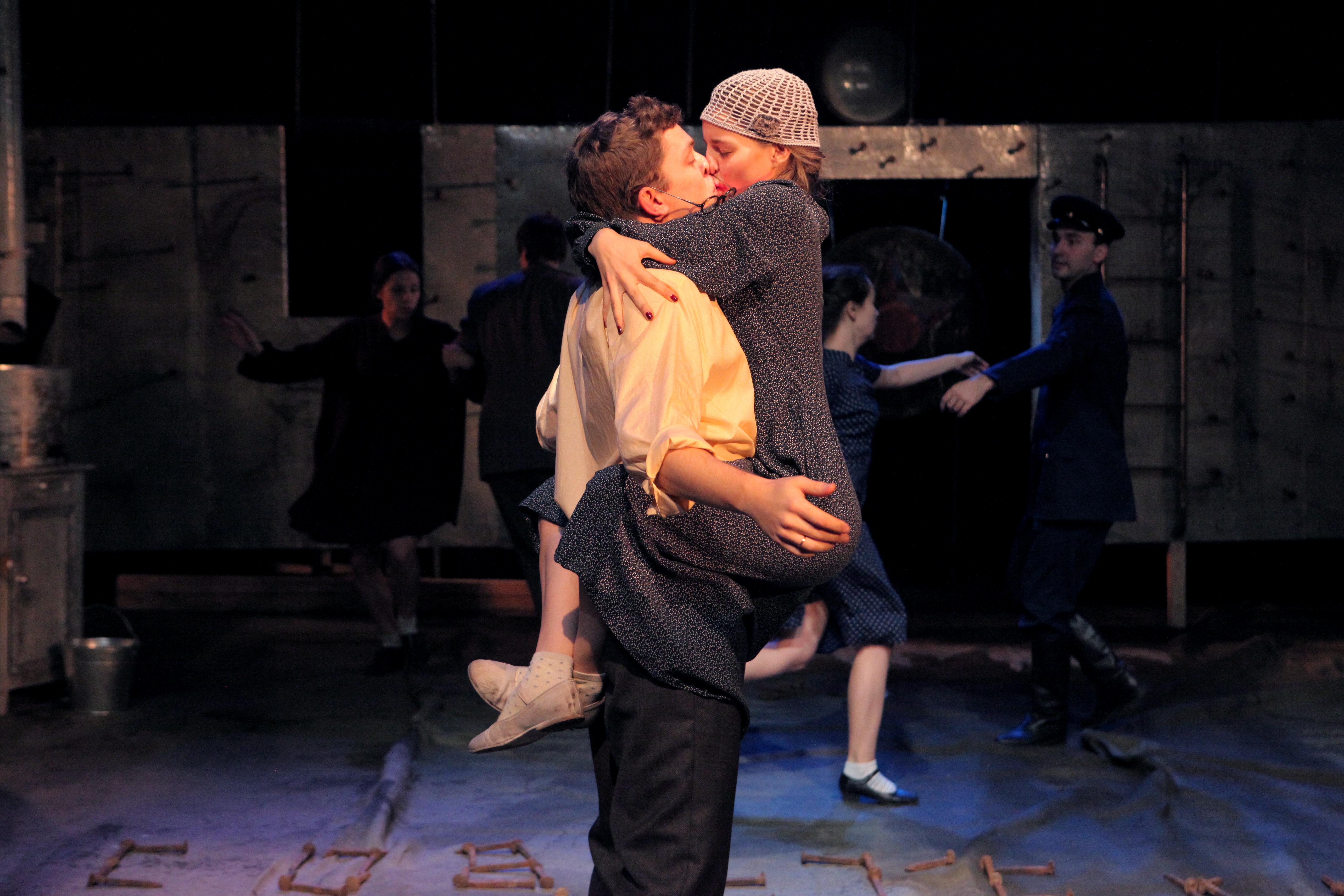 Премьера в Театре драмы: в спектакль по Платонову позвали непрофессиональных актеров