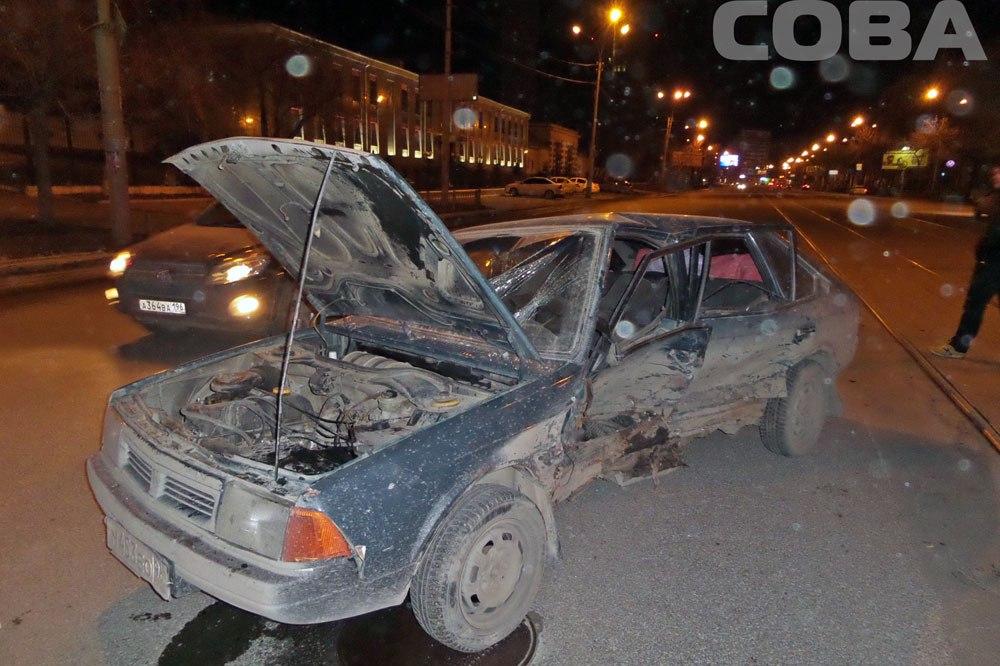 На Челюскинцев торопливый Opel протаранил «Москвич»