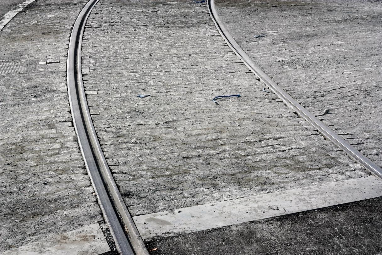 За лето в Екатеринбурге отремонтируют 17 трамвайных переездов