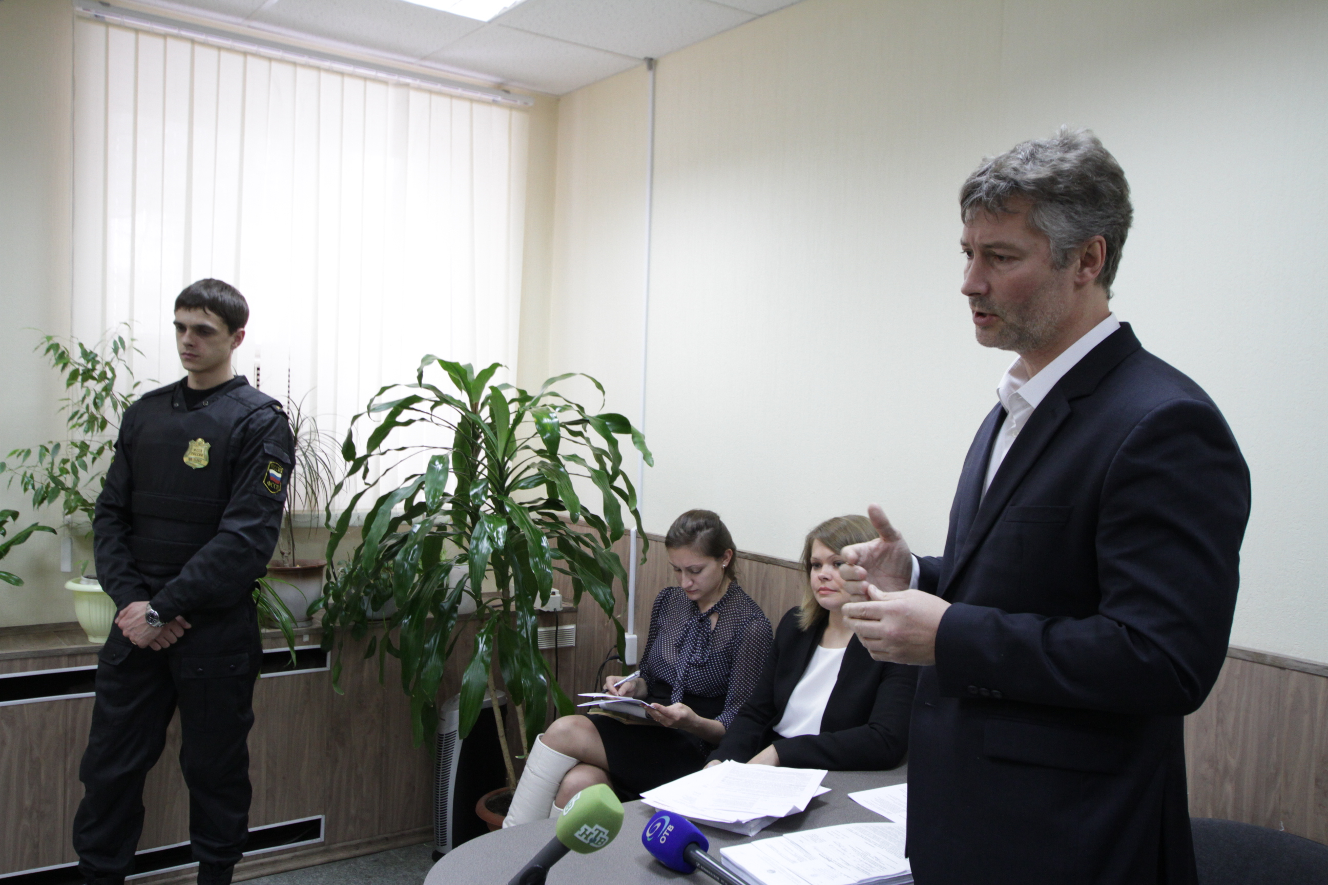 «Я был обычным советским студентом». Прокурор требует уничтожить диплом Ройзмана