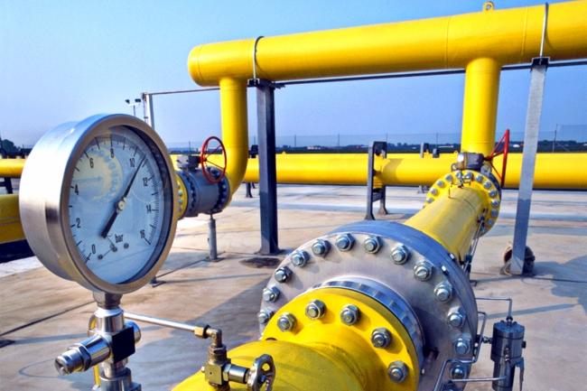 Киев согласился покупать российский газ по 385 долларов