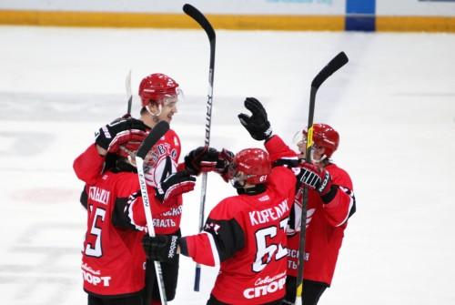 Два хоккеиста из Екатеринбурга вызваны в сборную России