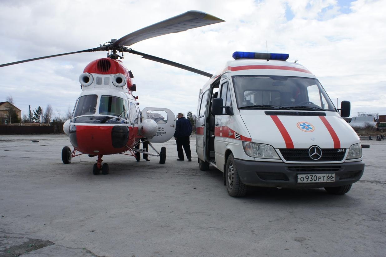 Под Первоуральском Nissan врезался в автобус и две машины. Виновник сбежал