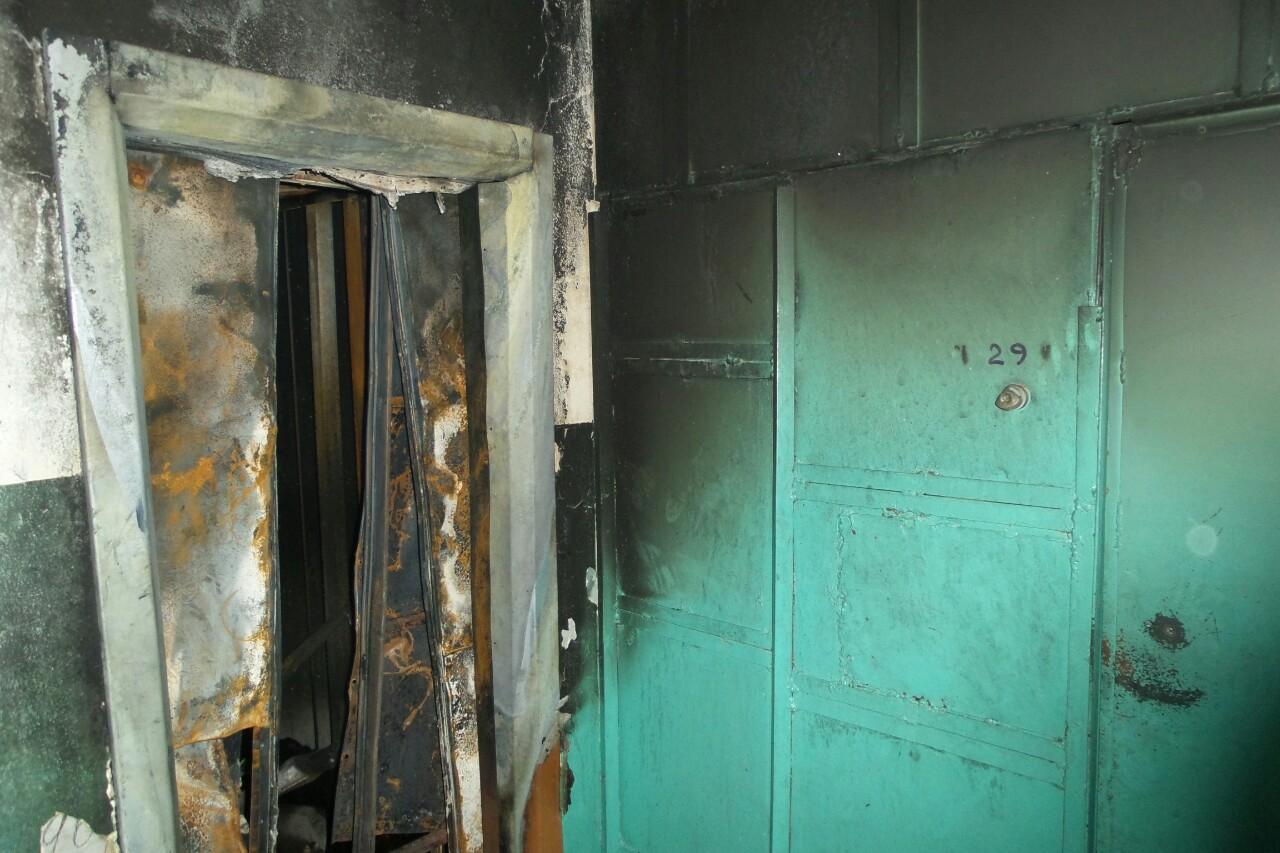 «Это был террористический акт»: девятиэтажку на Шефской закидали коктейлями Молотова
