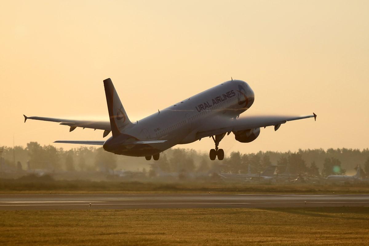 «Уральские авиалинии»: спрос на авиабилеты по некоторым зарубежным направлениям упал наполовину
