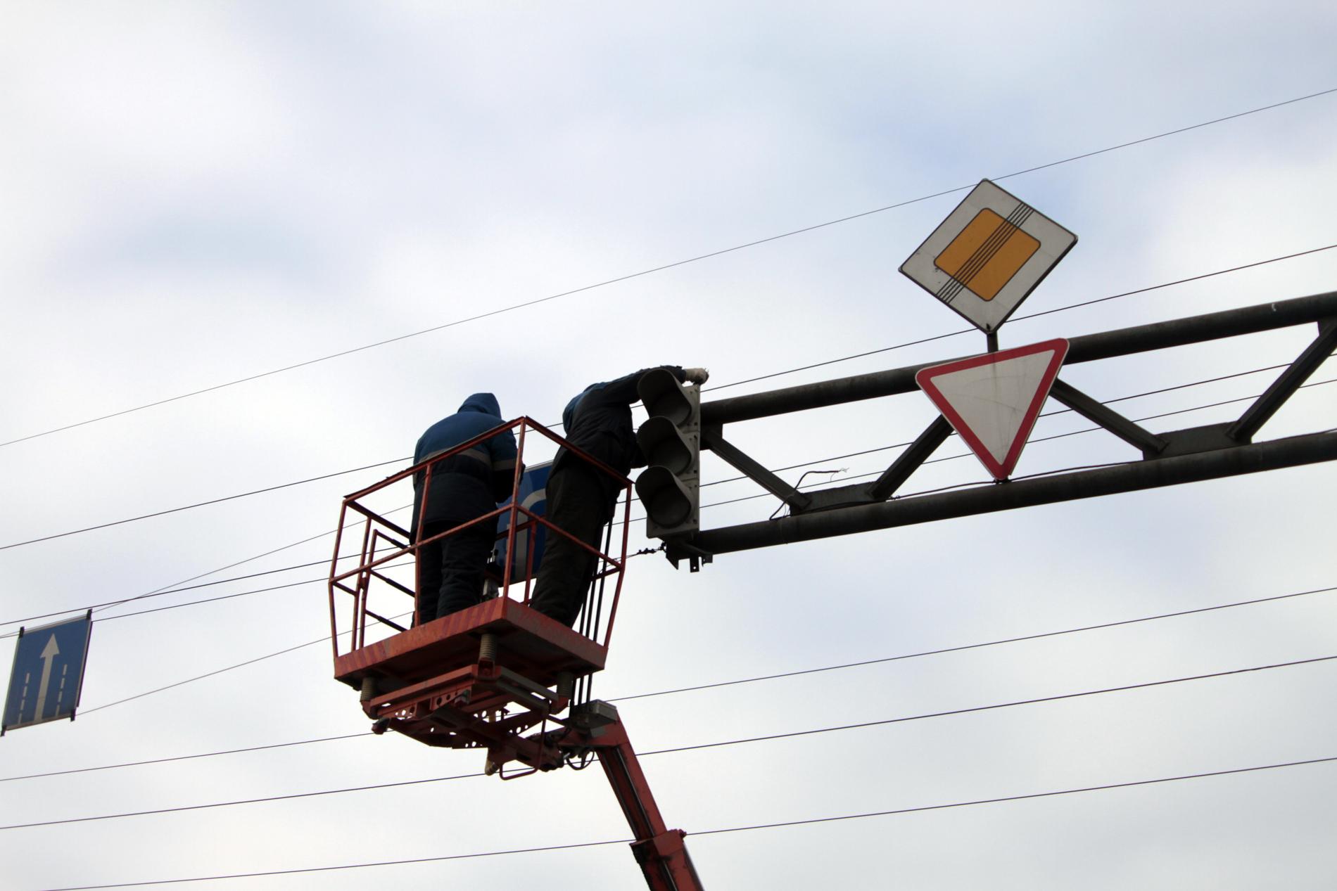 Дождик вывел из строя несколько светофоров в Екатеринбурге