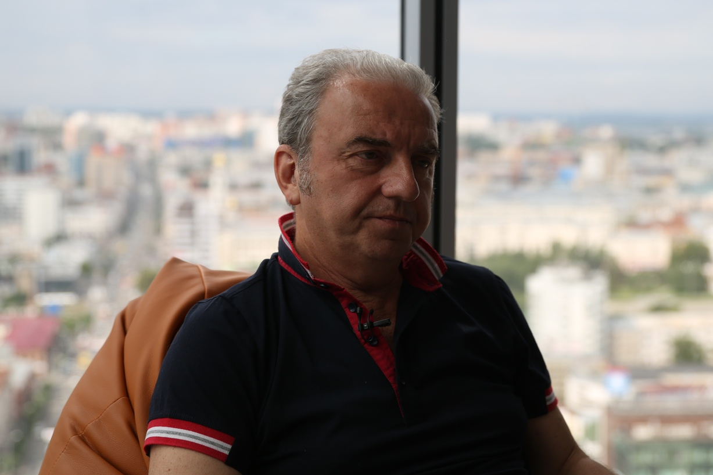«Не передовая»: Шахрин снял фильм о жизни уральской деревушки в военное время