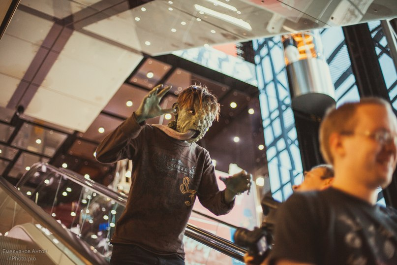 Зомби из культовой игры Left 4 Dead напугал продавцов в бизнес-центре Екатеринбурга