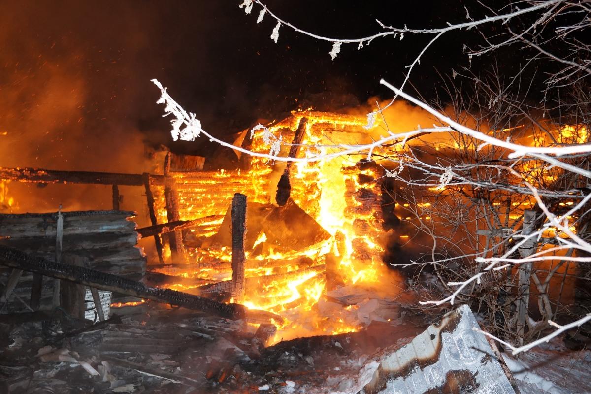 За сутки трое свердловчан погибли в огне