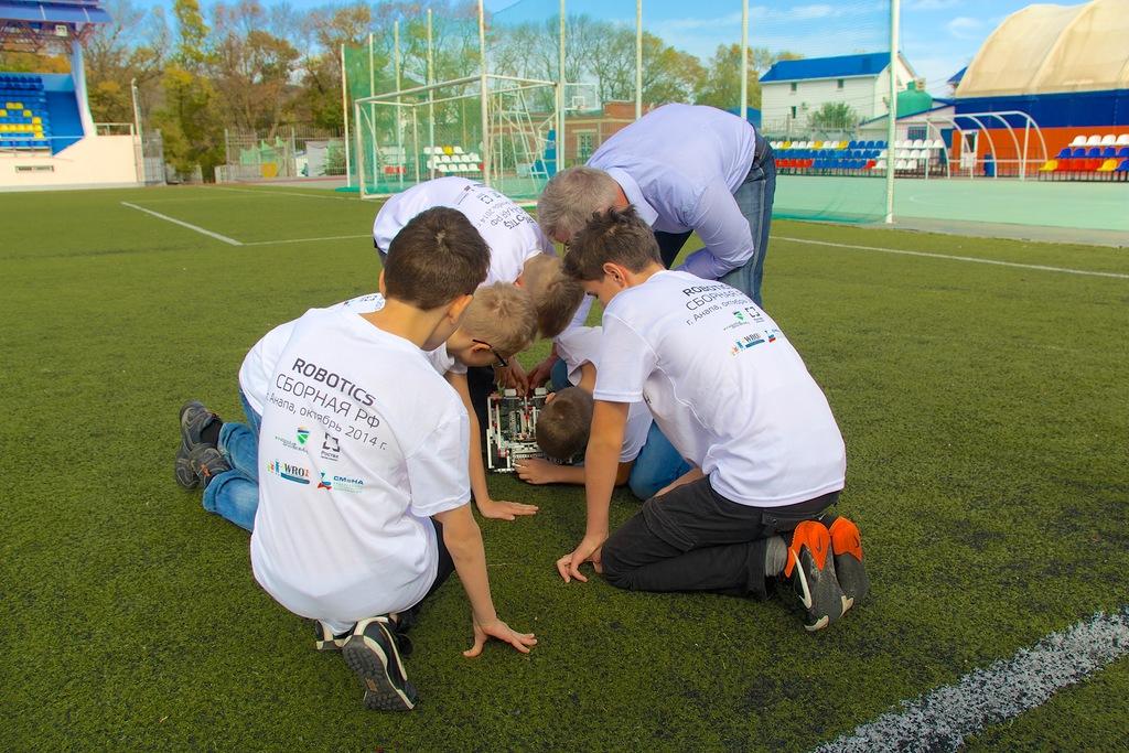 Школьники из Екатеринбурга вошли в состав сборной РФ по робототехнике