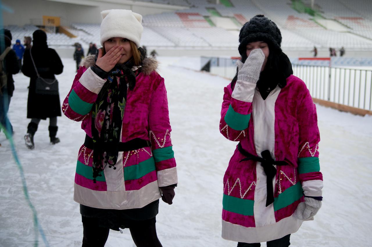 Холод и лед: на Центральном стадионе открылся каток