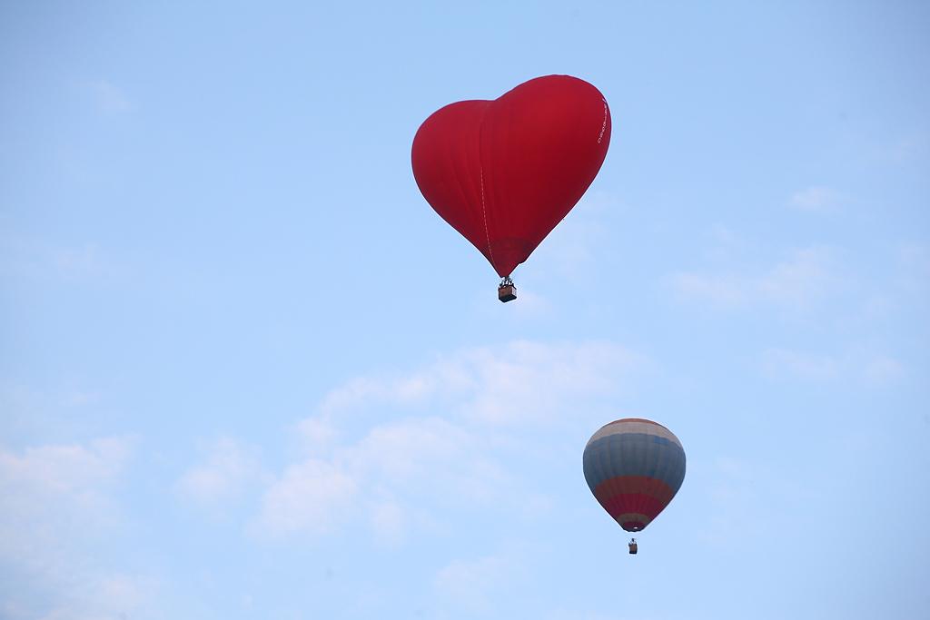 Воздушные шары заполнили уральское небо