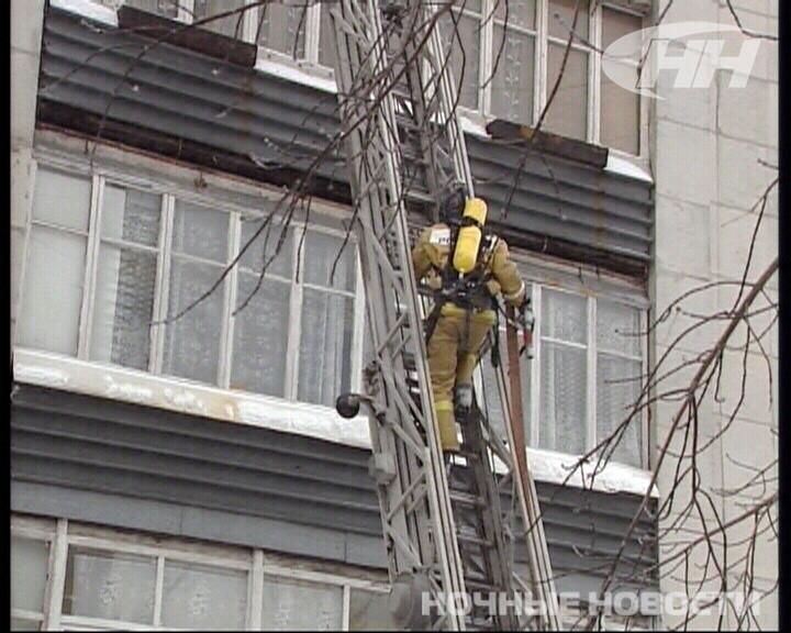 Пожарные потушили кухню в доме на Пальмиро Тольятти