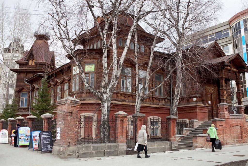 Российские власти снизили плату за аренду памятников культуры