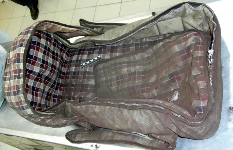Полиция просит опознать люльку, в которой нашли труп младенца