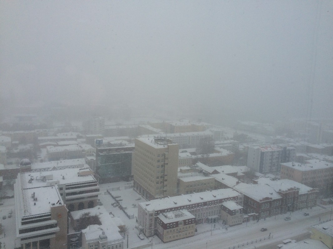 Много осадков и чуть-чуть тепла: снег в Екатеринбурге будет идти неделю